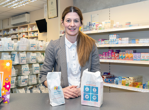 Transfer of care from hospitals to community pharmacies